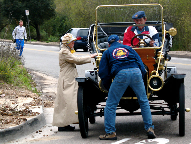 horseless carriage trouble; click for previous post