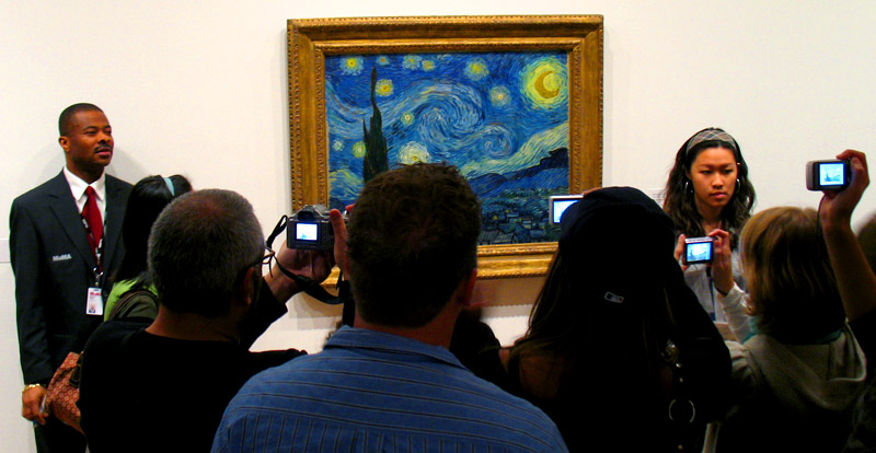 vincent draws a crowd; click for previous post