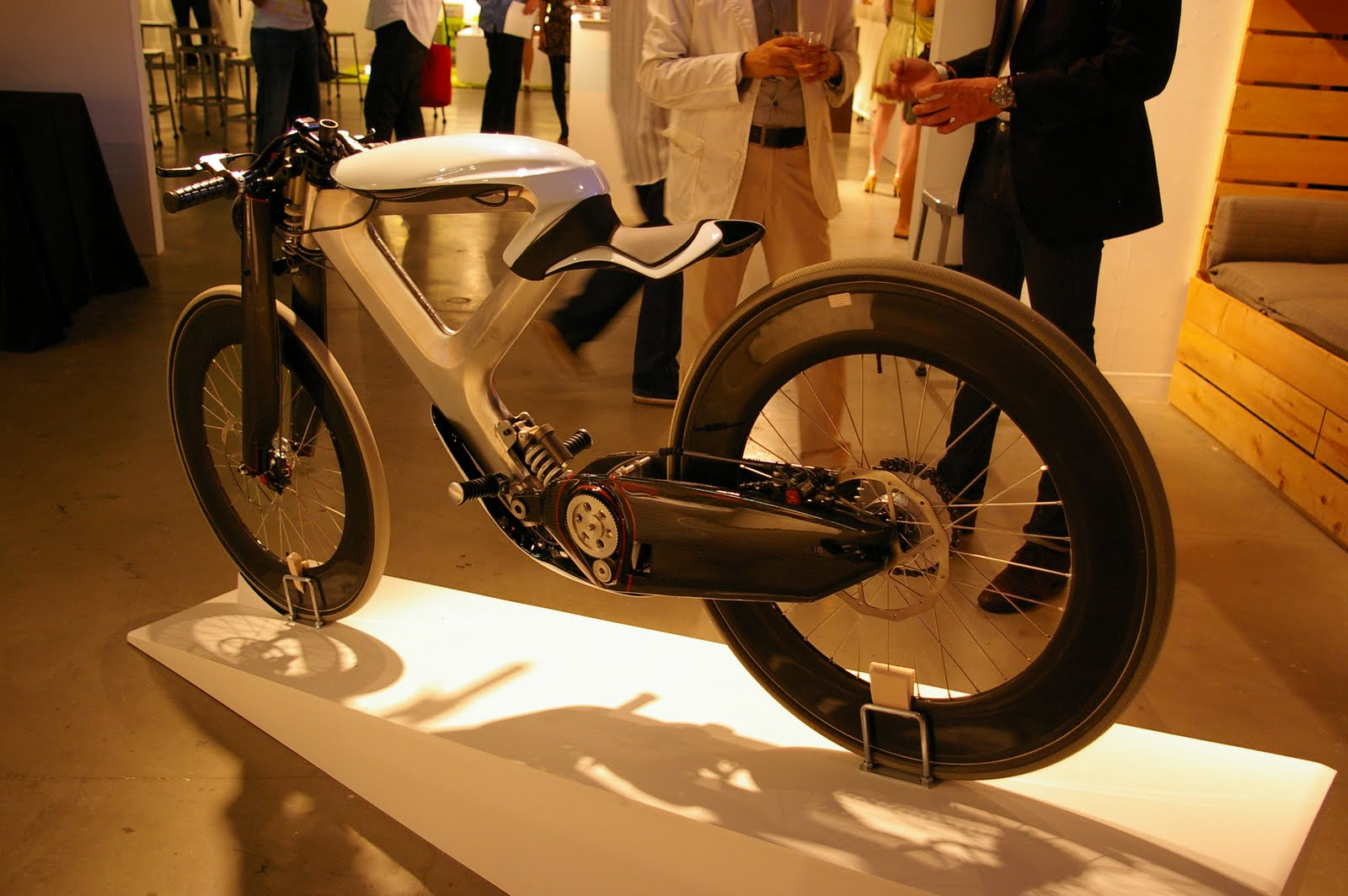 Concept/design/photomontage sur R  Cycleton+One+