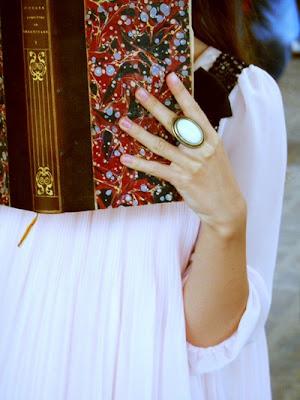 girl_book_vintage
