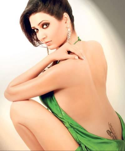 cine hot karishma tanna back less and hot thigh show