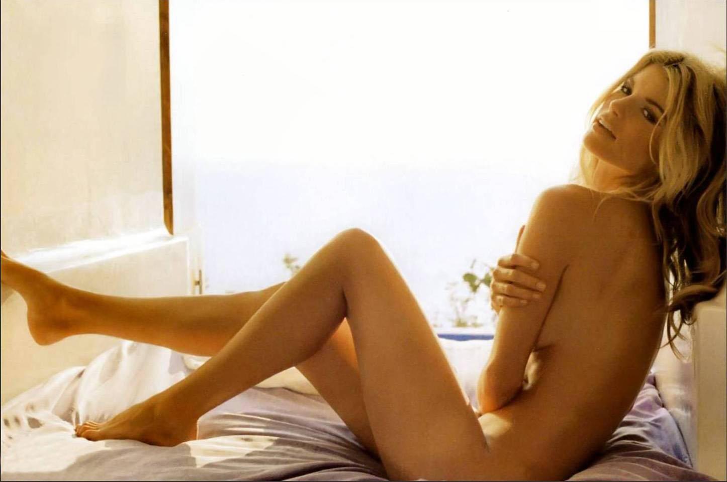 http://3.bp.blogspot.com/_qrmD8jCqKjE/TP-5EBz9a0I/AAAAAAAAMm8/_jfg4Al5L-w/s1600/marisa-miller-no-clothes-2.jpg