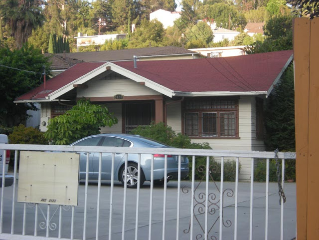 Hollywood Sign Suicide Jumper Peg Entwistle's House on Beachwood