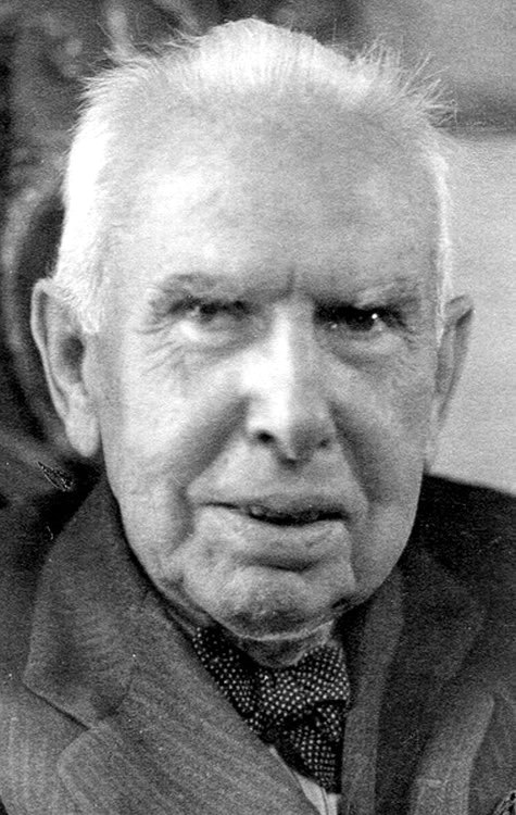 early life and novels of theodore dreiser A master of literary naturalism, dreiser is known for his great intensity and keen journalistic eye as he examines real-life subjects this powerful novel explores the dynamics of the.