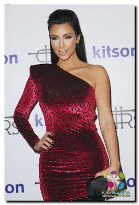 Kardashian Clothing Line Website on Kim Kardashian        Rich Soil    Fashion Line Launch In Los Angeles