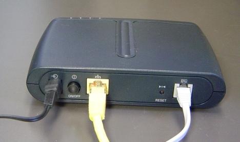 ... jaringan kabel misalnya seperti jaringan kabel telepon modem kabel