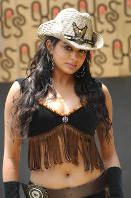 Actress Priymani hot stills