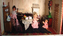 Dolls in the other Kitchen