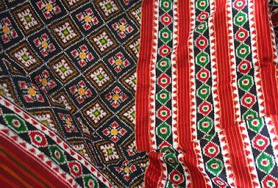 Image credit: http://3.bp.blogspot.com/_qwSnJtEfEZ4/SZTQOVknTmI/AAAAAAAAAD0/D22HbF0wbls/s400/Indian+Textile+-+Patola+Saree.jpg