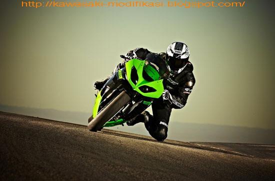 2010 Kawasaki Ninja ZX-6R title=