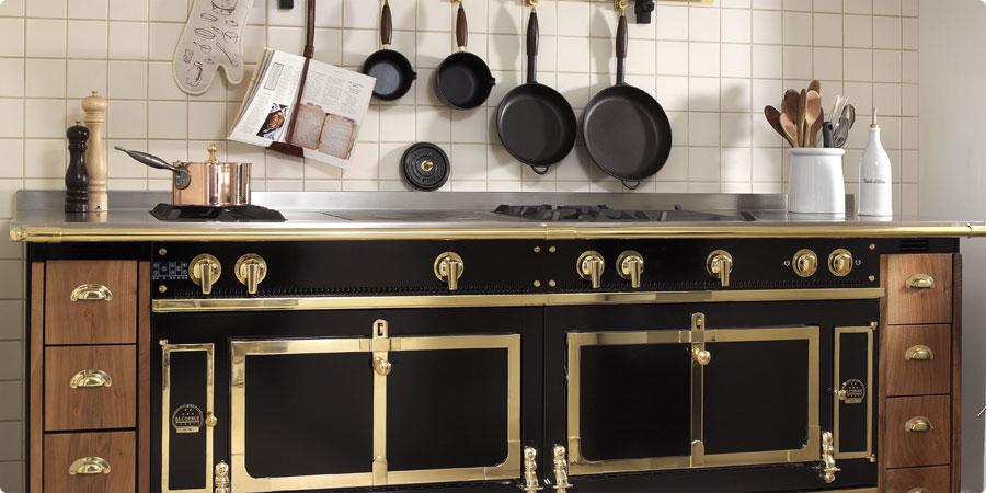 cupboards kitchen and bath friday find la cornue grand. Black Bedroom Furniture Sets. Home Design Ideas