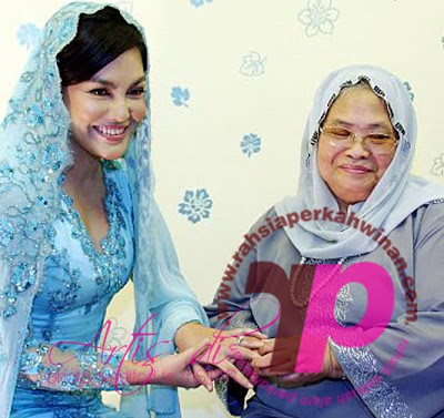 Gambar Umie Aida dan Datuk Khairuddin bertunang  | PERKAHWINAN artis MALAYSIA, news, scandal, gossip, Weddings, Families, Divorces of Celebrities