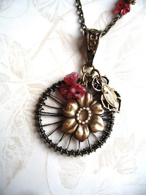 flower necklace from etsy shop botanical bird
