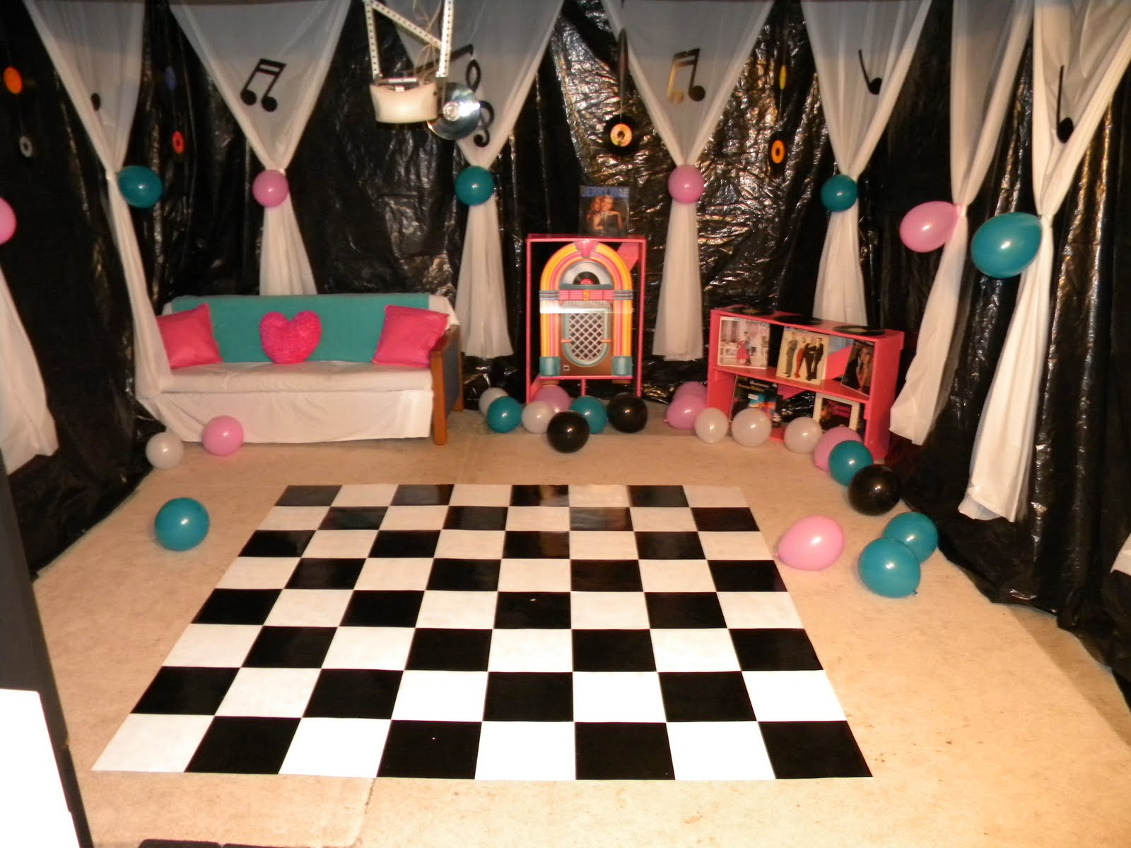 Just a frugal mom it 39 s a sock hop party for 50s party decoration ideas