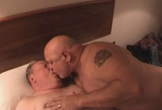 Handsome Gays Kiss And Suck Each Other
