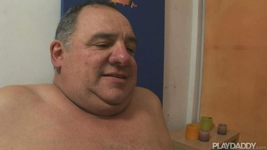 Mature Men Sex: Love this macho spanish straight daddy