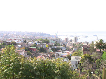 des collines, vue à couper le souffle sur la baie de Valparaiso