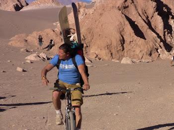 les surfeurs fous de l'Atacama