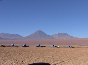le matériel du télescope en cours d'acheminement vers un sommet de 6000 M