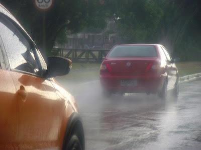 regen auf der Straße