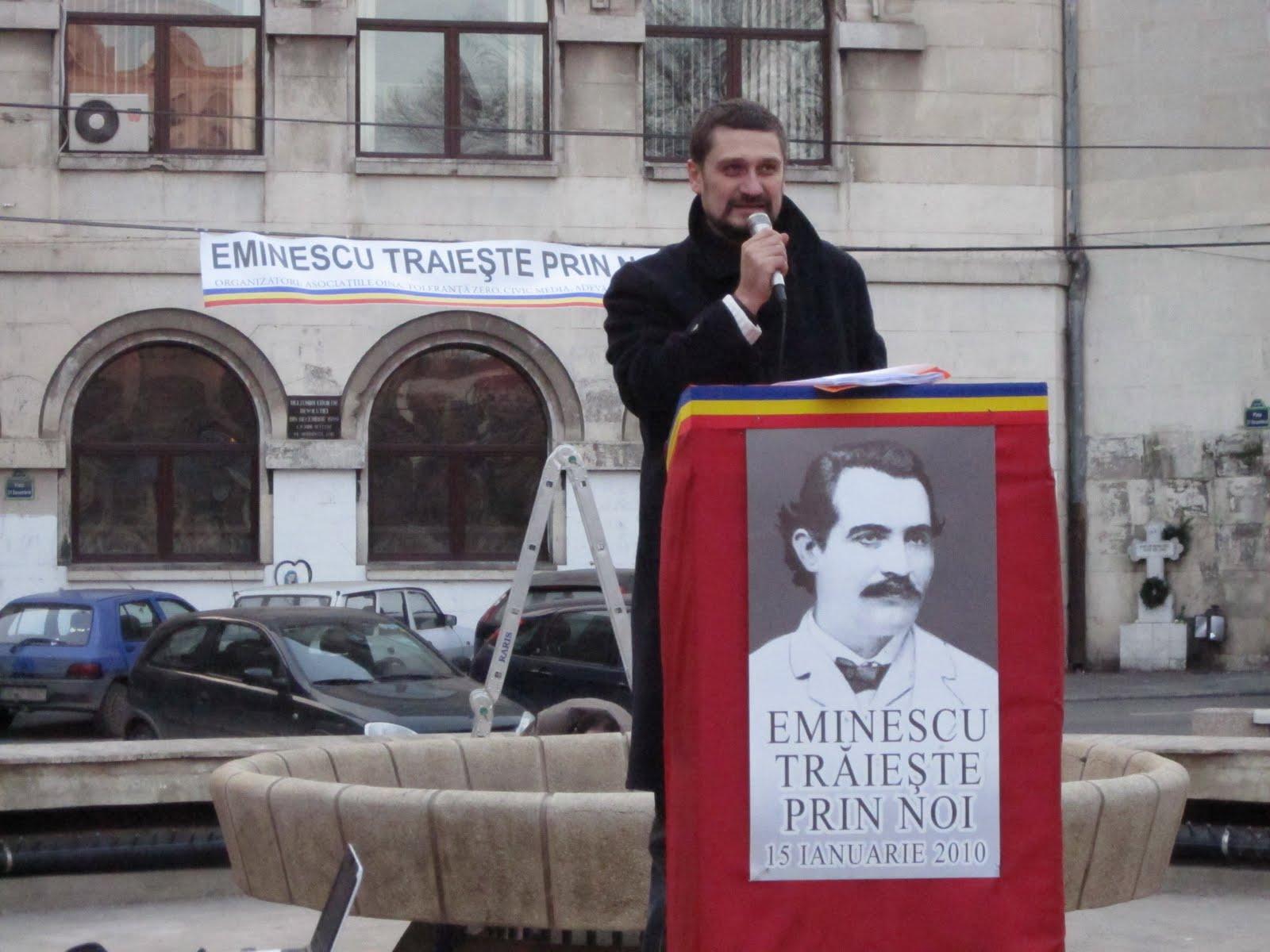 [Actiunea+Eminescu+traieste+prin+noi+2010+Piata+Universitatii+Mihai+Rapcea.JPG]