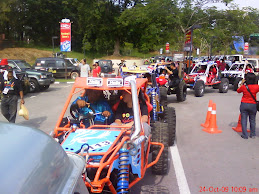 Exco Kerajaan Negeri Kedah mengetuai konvoi peserta ke trek / ss
