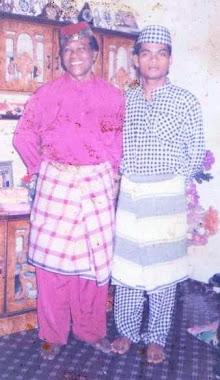 udin  bersama arwah abah pada raya 1991
