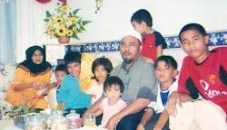 Abg Atan & Famili