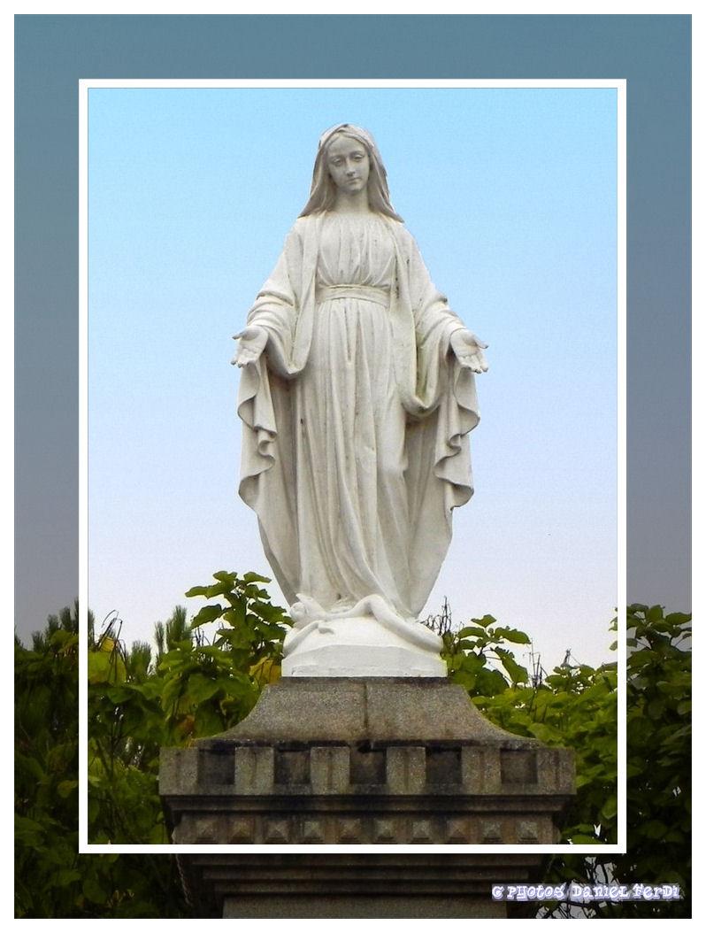 Vierge Marie Bleu Fonc Ef Bf Bd Veillant Sur La Ville Endorme