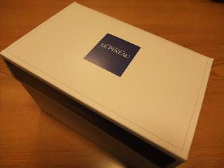 北堀江ル・ピノーのケーキの箱