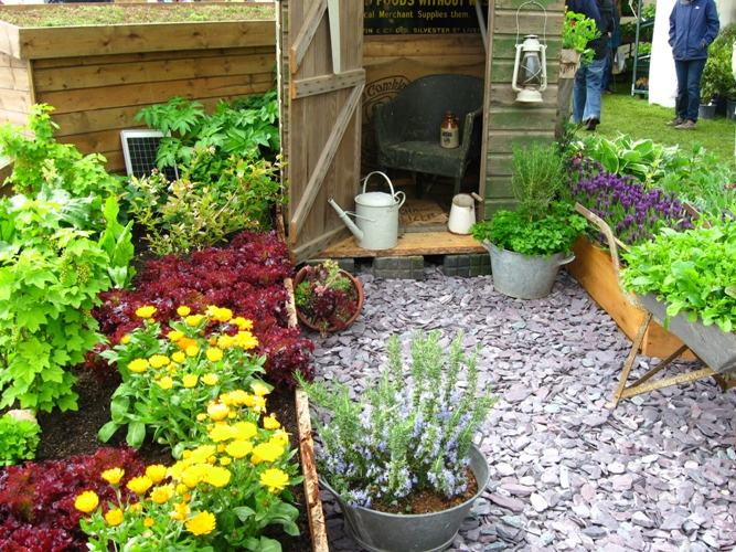 Ewa in the garden cute vegetable garden ideas for Small vegetable garden designs