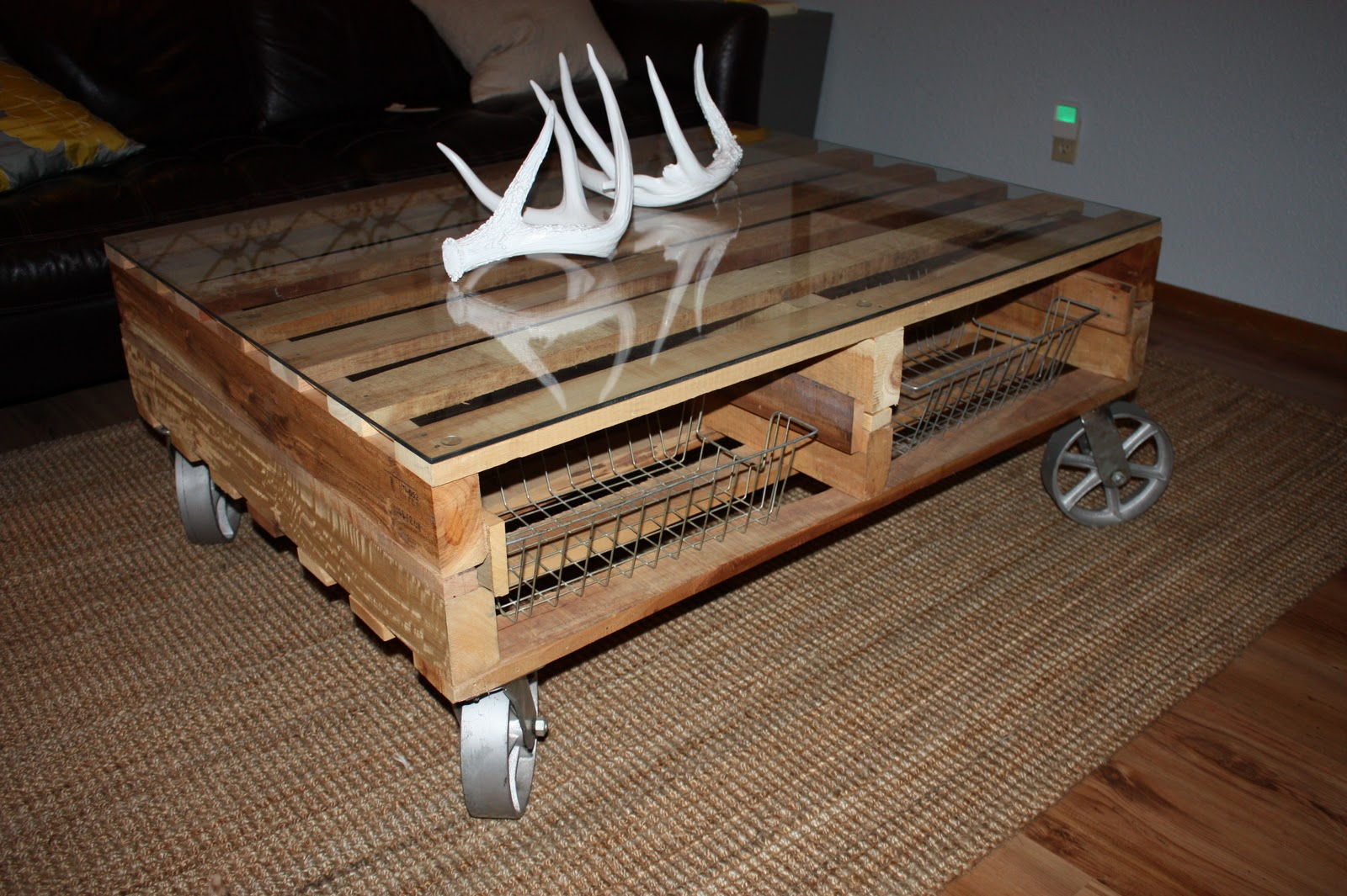 how to make your own trunk coffee table