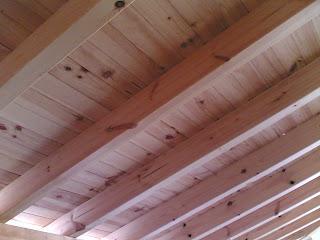 Reconts techos de madera de una dos y tres aguas con - Lamparas para techos con vigas de madera ...
