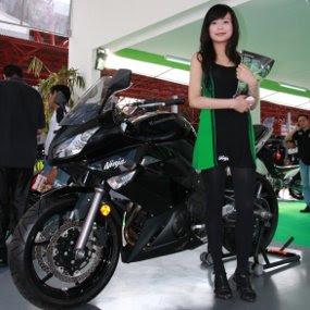 Kawasaki-Ninja-ZZR
