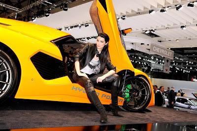 sexy-babes-Geneva-motor-Show-2010-photos
