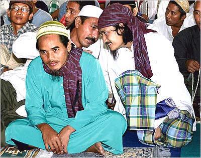 amrozi-mukhlas-imam-samudra-terpidan-bom-bali-I