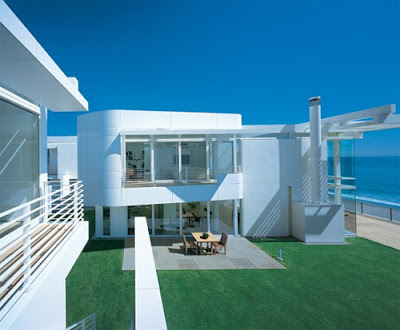 Luxury-White-beach-house