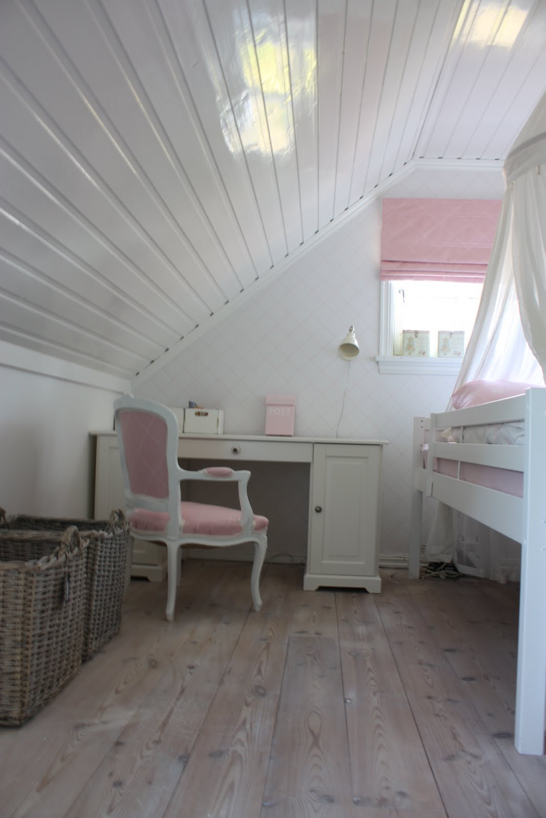 Dette rommet er Maja Sofie p? fem sitt rom.Her sto jo selvf?lgelig ...