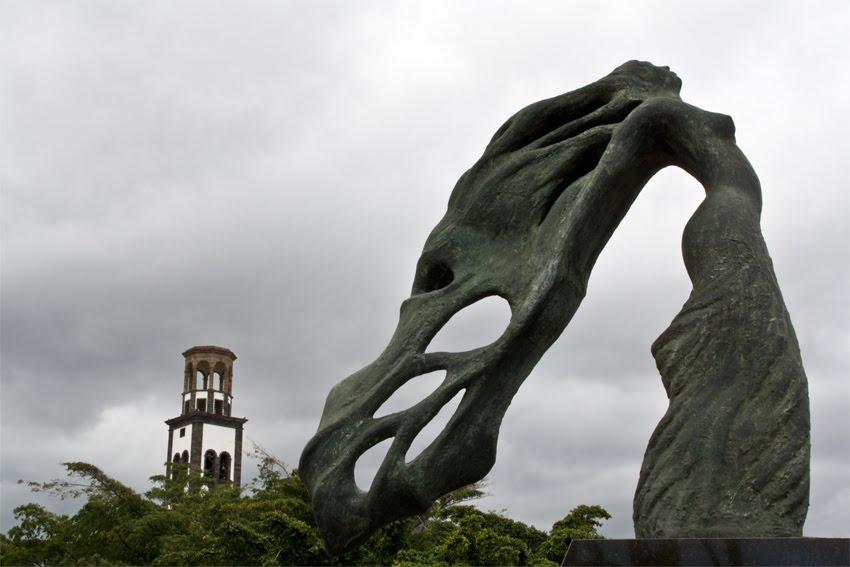 Lavado de cara monumental a las obras escultóricas de Santa Cruz de Tenerife