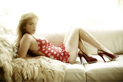 Isla Fisher sexy