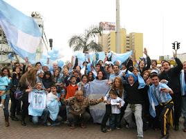 Festejo del triunfo de Argentina con México