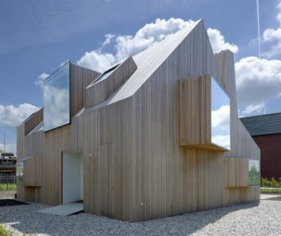 Architecture and Sculpture Combined House Design