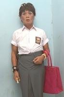 pelawak artis indonesia tessy banci