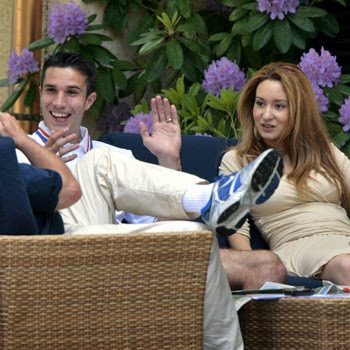 Bouchra Van Persie moslem celebrity istri Robin Van Persie
