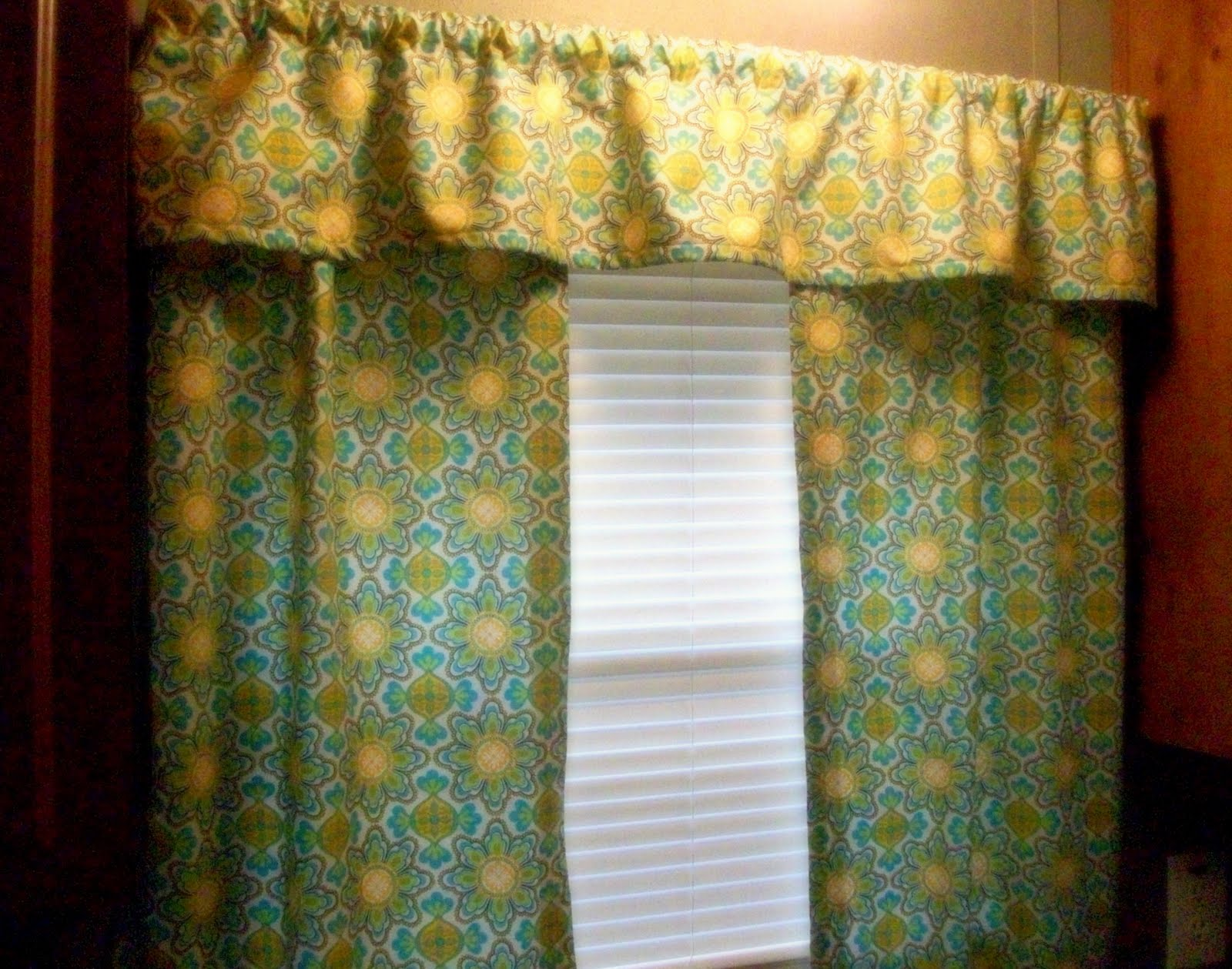 Diy Kitchen Curtains To my curtains i sewed for