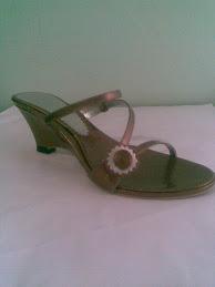 Model sandal terbaru FR02