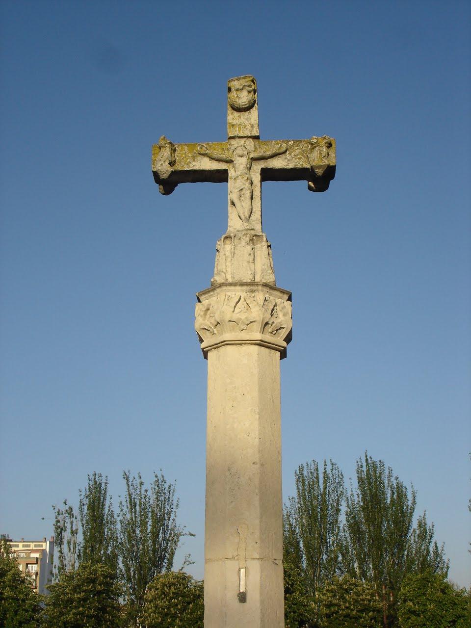 Crucero de granito galaico, San Martín del Camino. Camino de Santiago Francés