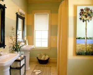 Palm tree decor tropical bathroom in green and yellow for Yellow and green bathroom ideas
