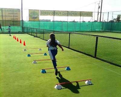 niños jugando al fútbol Descargar Fotos gratis Freepik - Imagenes Niños Jugando Futbol