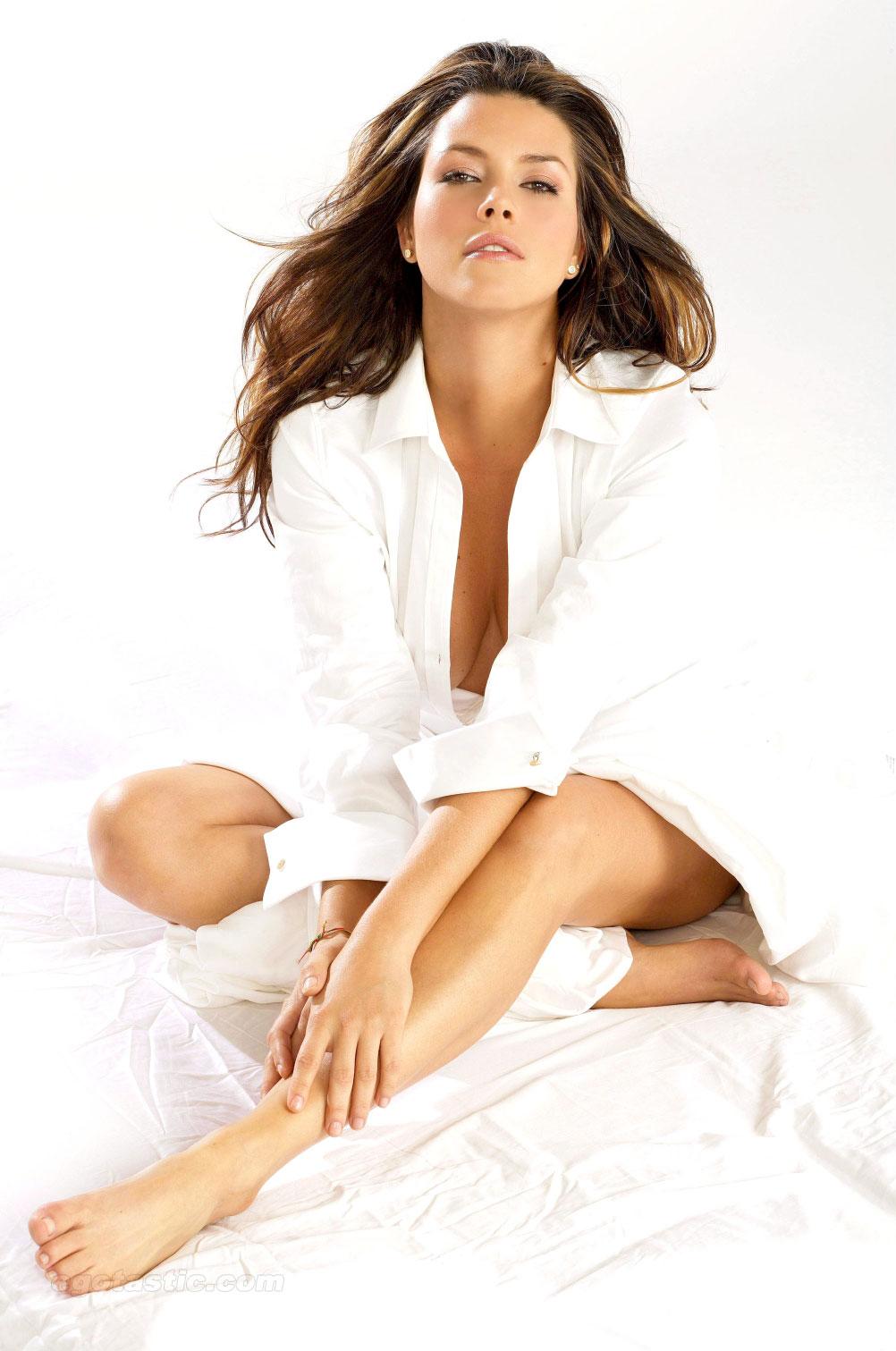 incredibly hot nude girl